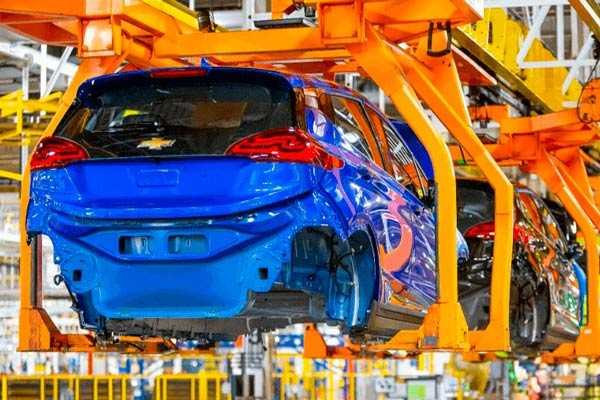 GM-y-Ford-detienen-su-producción-por-escasez-de-chips