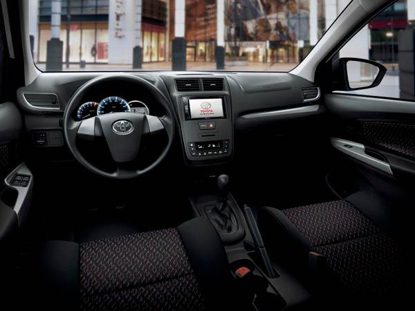 Toyota-avanza interior